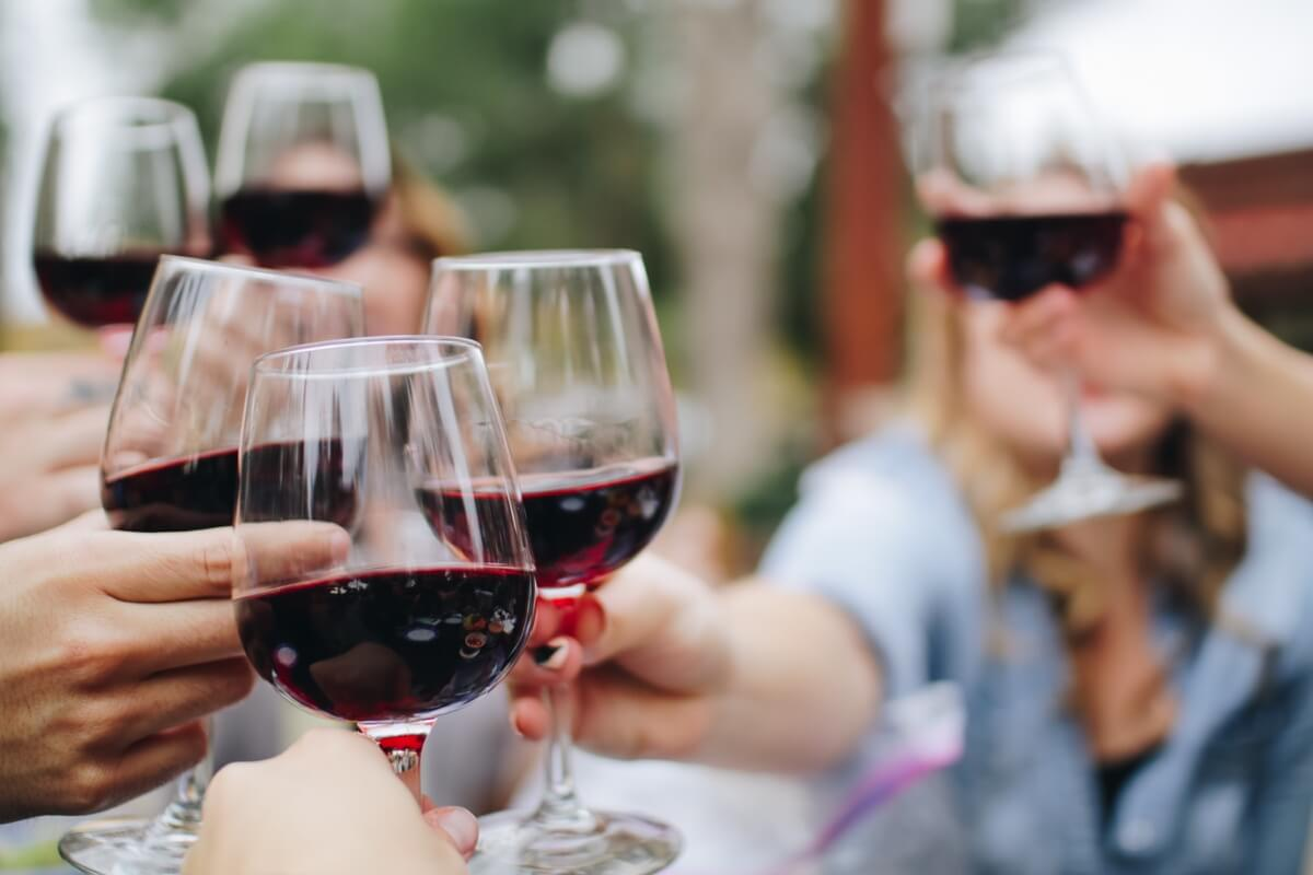 Alcoholic Beverages & Drinks Menu - Wine List